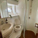 2001 Baia AQVA 54 Bathroom