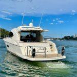 Riviera-4400-Sport-Yacht-9